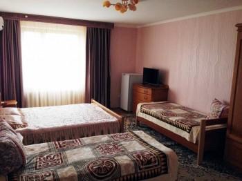 Приезжайте на отдых к нам  - спальня 2.jpg